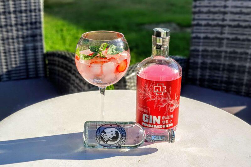 Gin og Tonic med Rammstein Pink Gin